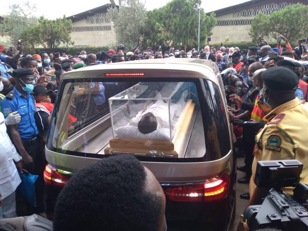 Remains of TB Joshua arrives at SCOAN (Photo: Olukayode Jaiyeola)